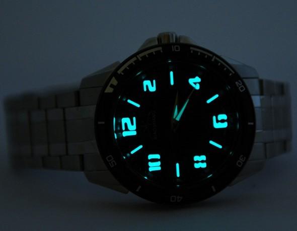 夜光手表/