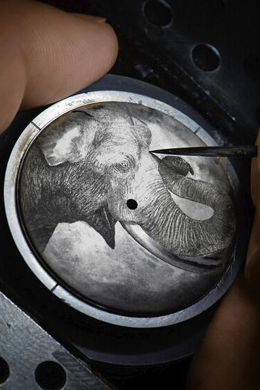 伯爵(Piaget)腕表以金属微雕技术颂扬大象高雅雄姿