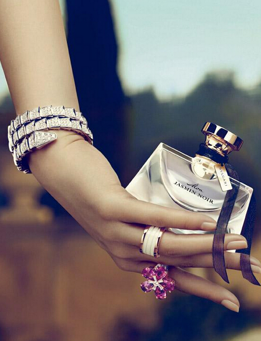腕间芬芳:女装腕表的香水搭档(下)