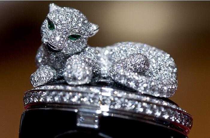 卡地亚猎豹装饰神秘腕表和戒指