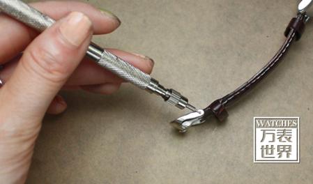 手表带怎么拆卸图解,手表带拆卸方法