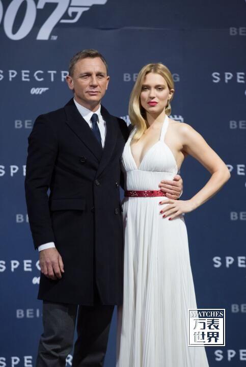 法国蕾雅赛杜佩戴萧邦(Chopard)出席《007幽灵党》首映