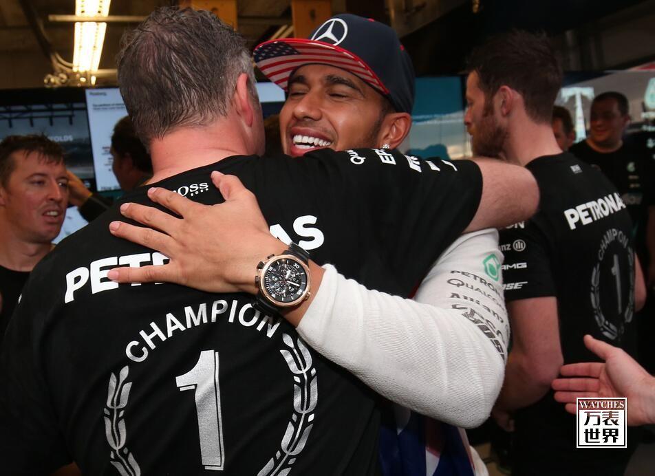 万国表祝贺路易斯・汉密尔顿及其车队双双夺冠
