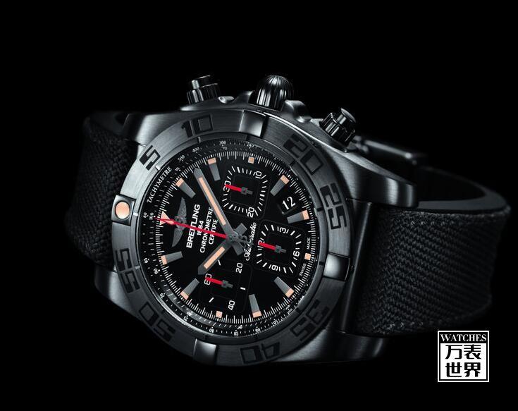 百年灵推出终极计时黑钢腕表