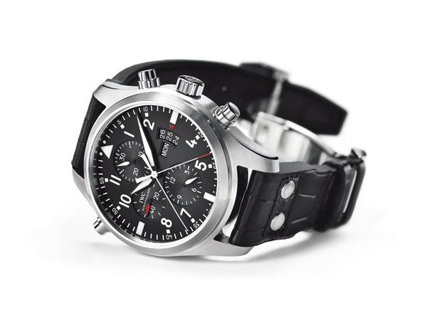 万国飞行员追针计时腕表