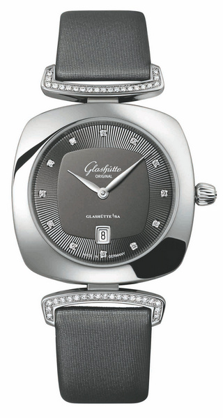 格拉苏蒂Pavonina系列31 x 31 mm时计腕表
