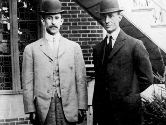 莱特兄弟发明了世界上第一架飞机
