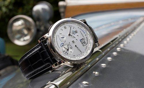 朗格腕表以手工雕刻车赛盾徽,朗格腕表奠定重要的里程碑